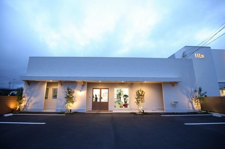 外観 ライトアップ 三重県伊勢市 APOA アポア