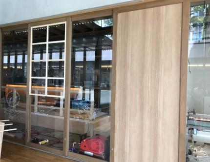 店舗改装 奥山安蔵商店 鮨山 木枠格子 パネル戸